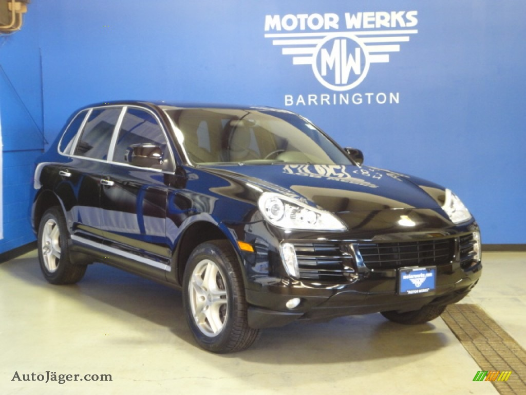 2010 porsche cayenne tiptronic in black photo 31 a01030 for Motor werks barrington used cars