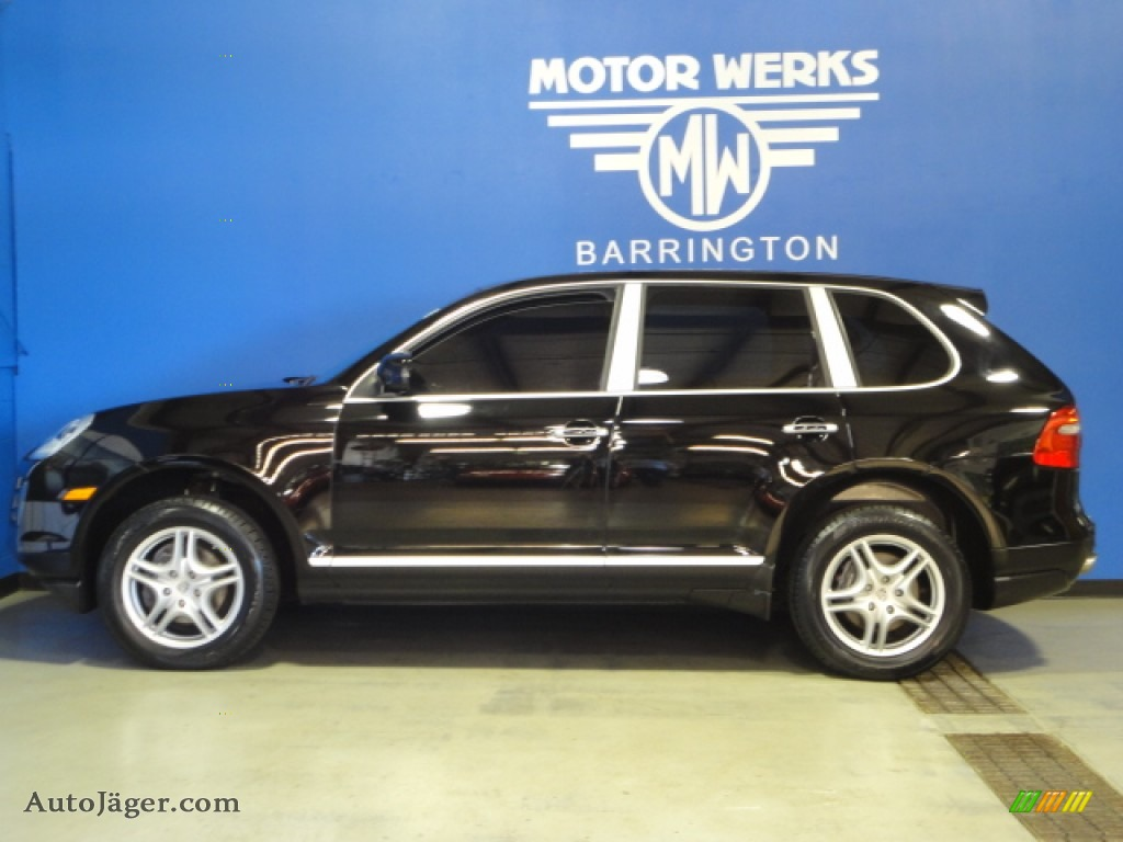 2010 porsche cayenne tiptronic in black photo 5 a01030 for Motor werks barrington used cars