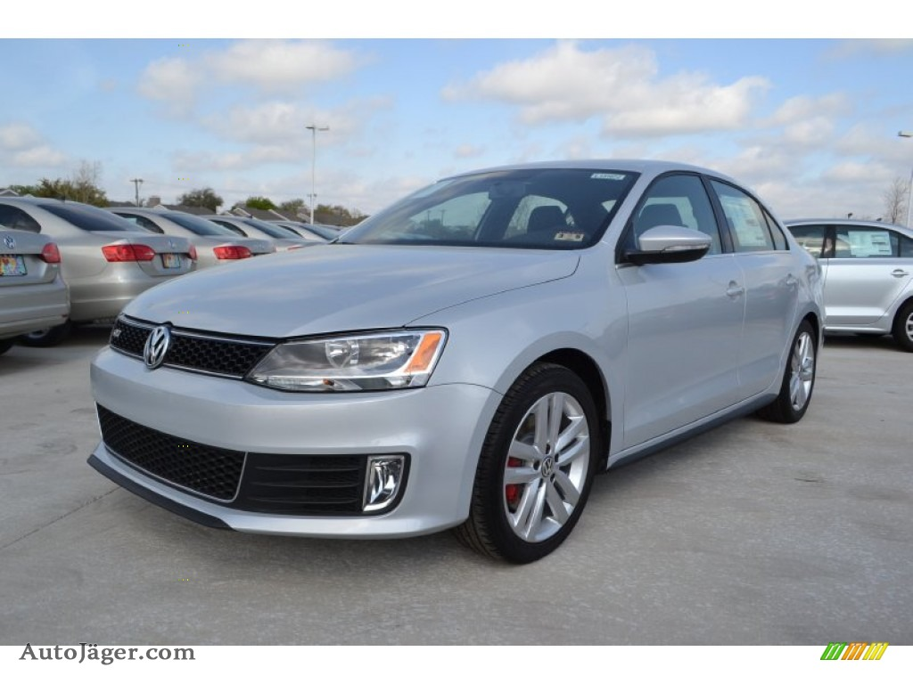 2013 volkswagen jetta gli in frost silver metallic. Black Bedroom Furniture Sets. Home Design Ideas
