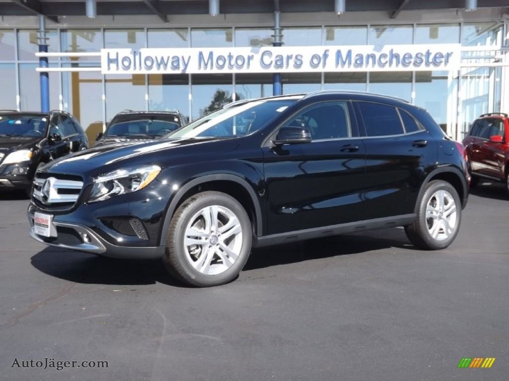 2015 mercedes benz gla 250 4matic in night black 030394 for Holloway motor cars manchester