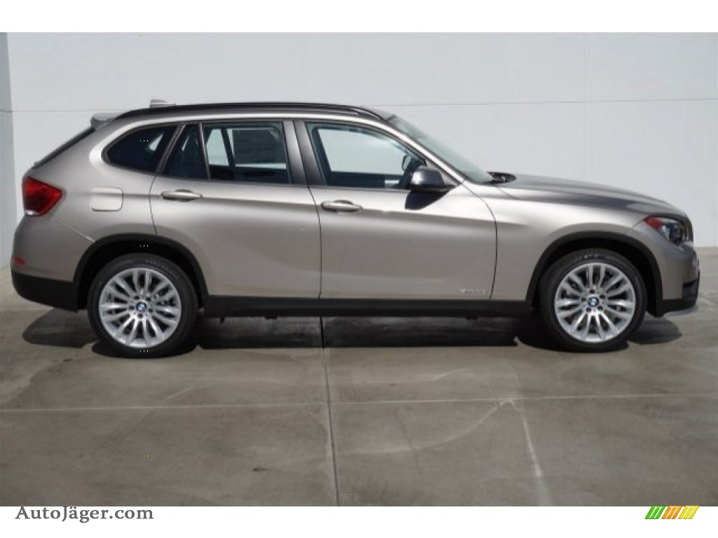 2015 Bmw X1 Sdrive28i In Cashmere Silver Metallic Photo 2